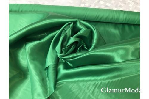 Атлас простой однотонный зеленого цвета