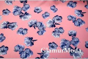 Костюмная Барби серо-голубые цветы на розовом фоне