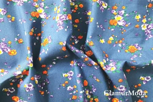 """Джинсовая ткань с рисунком """"Цветочки"""" на фоне деним"""