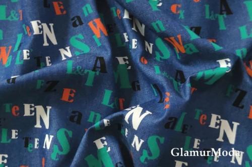 Джинсовая ткань буквы на синем фоне