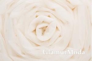 Фатин средней жесткости молочного цвета шириной 300 см