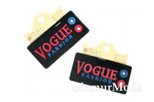 """Нашивка """"Vogue"""" на черном, 4х8 см"""
