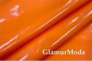 Лаке ярко-оранжевого цвета