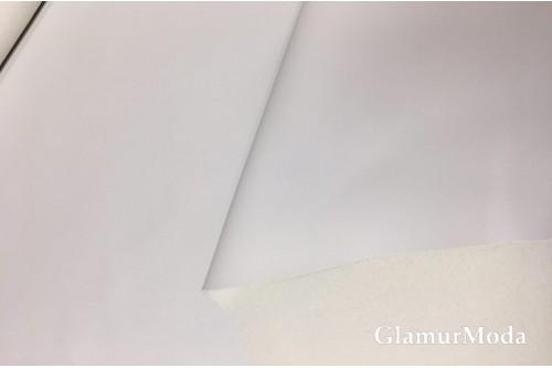 Искусственная мебельная кожа белого цвета