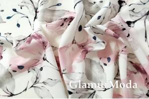 Ниагара (супер софт), розовые цветы на молочном фоне