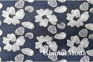 Пальтовая ткань с вышивкой цветы на тёмно-синем фоне