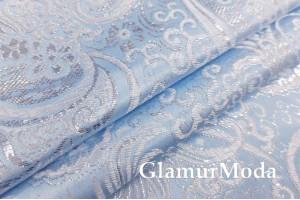 Парча жаккард бело-серебряные узоры на голубом фоне