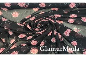 Шифон с принтом розовые цветы на черном фоне