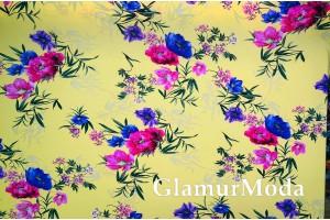 Шифон стрейч розовые и сиреневые цветы на желтом фоне