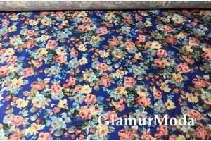 Твил стрейч цветочная поляна на васильковом фоне