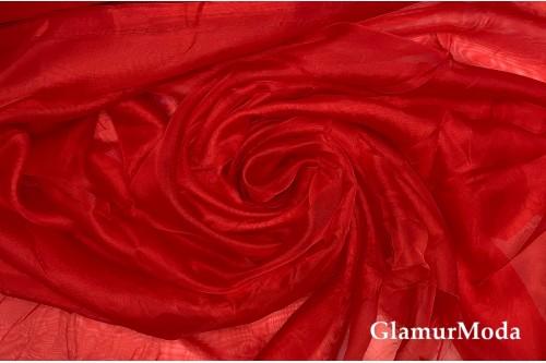 Вуаль красного цвета